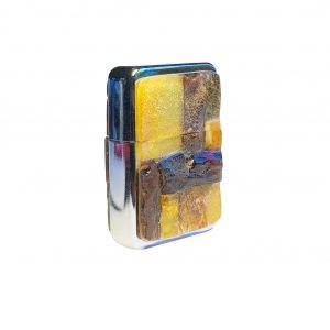 Gas lighter decorated with Amber